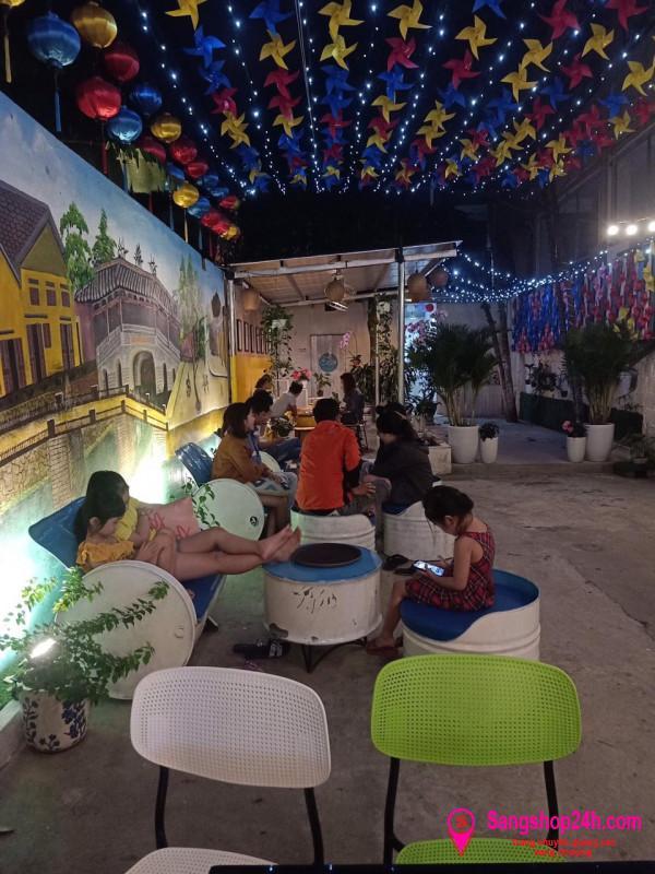 Sang quán cafe sân vườn khu dân cư đông đúc trung tâm quận Thanh Khê, Đà Nẵng.