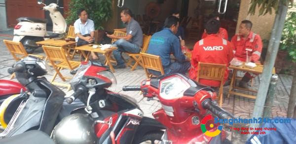 Cần sang quán cafe mặt tiền đường, khu dân cư đông đúc.